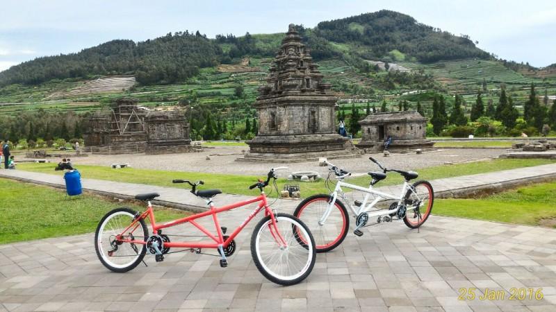 Wisata Dieng Sepeda Tandem